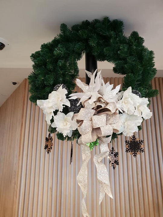 Christmas Wreath Masterpiece, The Thorndon Hotel Wellington
